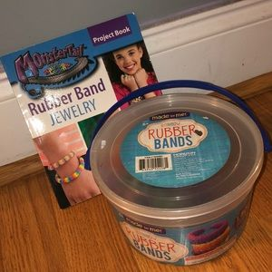 NWT Rubber band jewelry kit